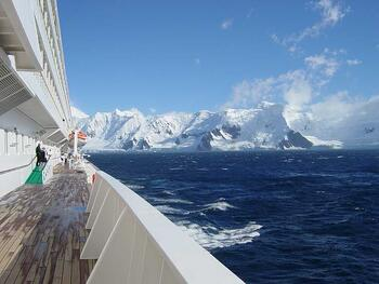 Crystal_Symphony_Antarctica2